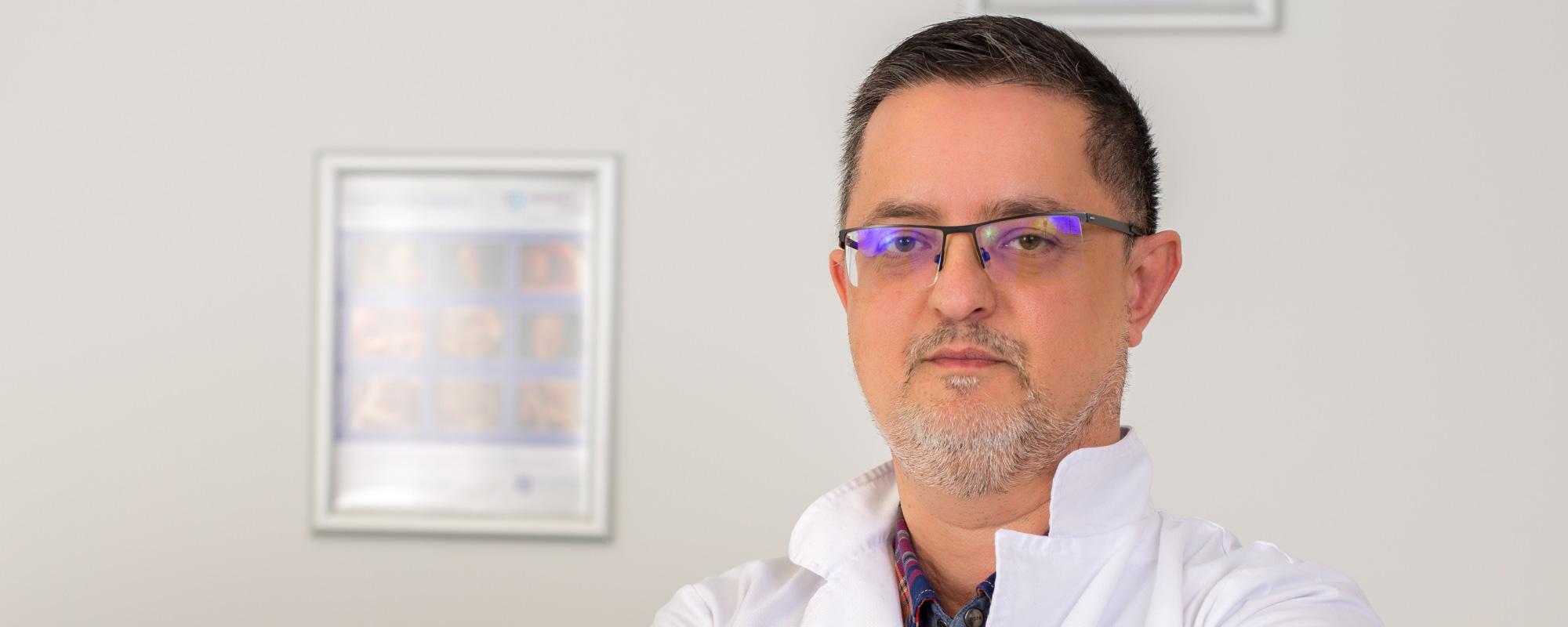 La noi nu vei gasi <br> doar cei mai <span>buni specialisti,</span> dar si <br> cea mai <span>avansata tehnologie</span> in toate domeniile medicale. <br> <span>Dr. Nicolae Cristian Florin</span>